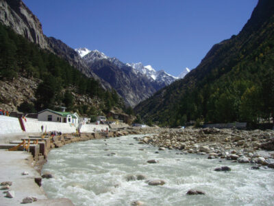 TOP 10 TOURISTS PLACE TO VISIT IN UTTARAKHAND
